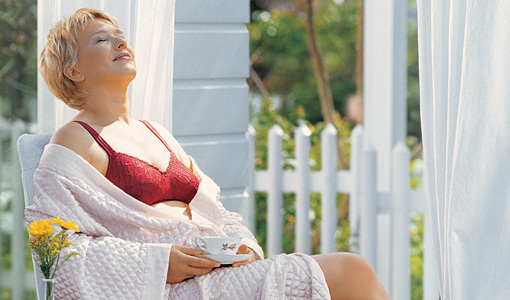 comfort-bras-to-wear-when-you-unwind-and-relax